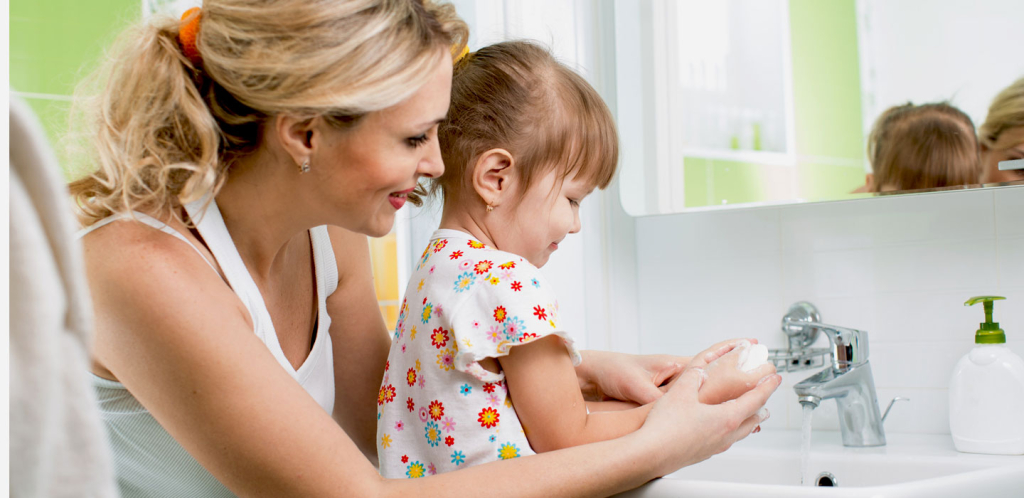 Как родители могут научить детей правилам личной гигиены - TwitNow.ru